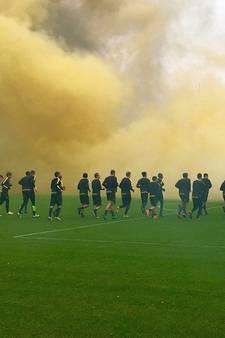 Muziek en springkussen bij eerste training Vitesse