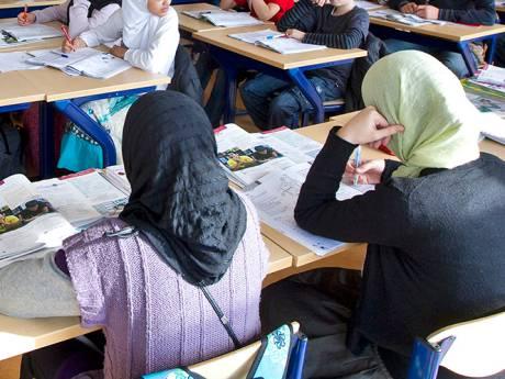Lokale partijen stappen naar Raad van State om besluit van minister over islamitische school