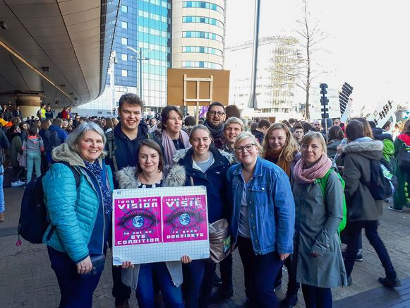 Enkele studenten en docenten van Thomas More Vorselaar stapten mee in de klimaatmars.