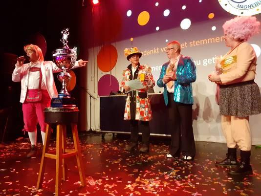 De presentatoren van voorheen, met van links naar rechts Corne Smits, Nico Schellekens, Jan Fitters en Wanda de Groot.