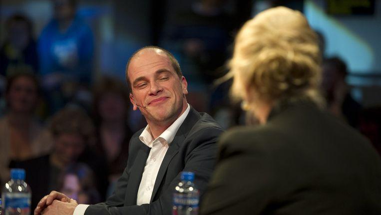 PvdA-leider Diederik Samsom (links) in gesprek met Wouke van Scherrenburg tijdens de President's Night in de Melkweg, dinsdagavond Beeld ANP