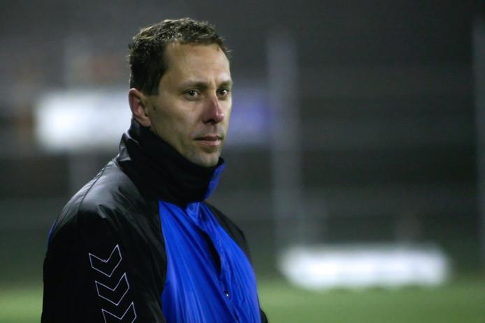 Ralph Mens wordt van hoofdtrainer bij Diepenveen jeugdopleider bij Wijhe'92.