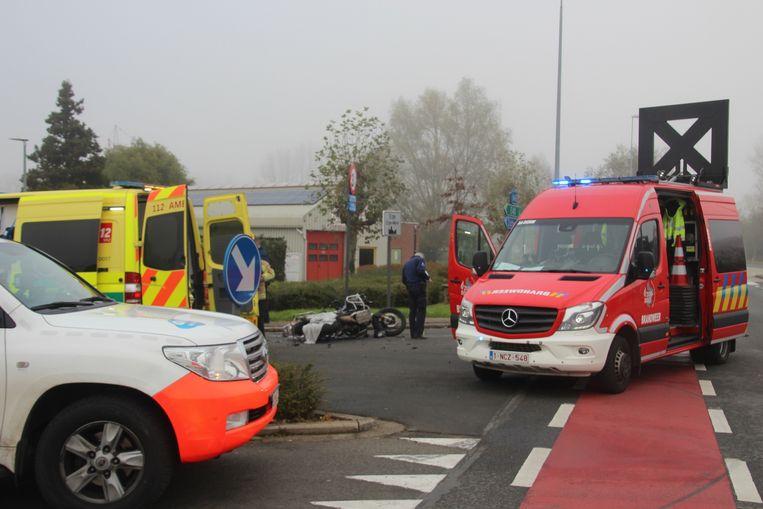 Het ongeval gebeurde op het kruispunt van Oudenaardsesteenweg, Dorpsstraat en Zevekootstraat in Erpe.