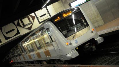 Metro 3 doet stof opwaaien