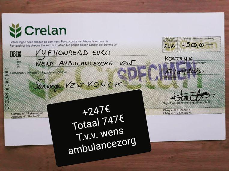De cheque van 500 euro. Er was ook nog een extra storting van 247 euro om tot het totaalbedrag van 747 euro te komen