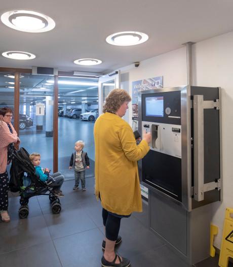 Oproep van Denk: schaf betaald parkeren in Veenendaal voorlopig af