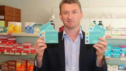 Apotheker voert campagne met ...pillendoosje
