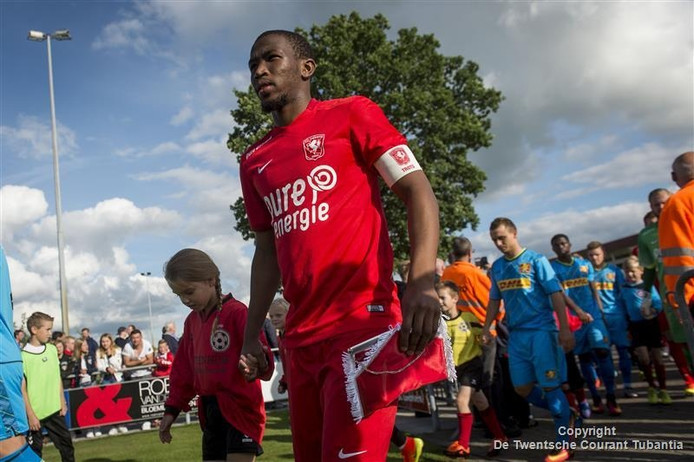 FC Twente, hier nog in met de oude kledingsponsor