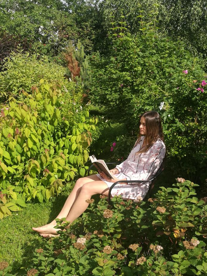 Anastasia Loginova leest de planten Tolstoj voor.