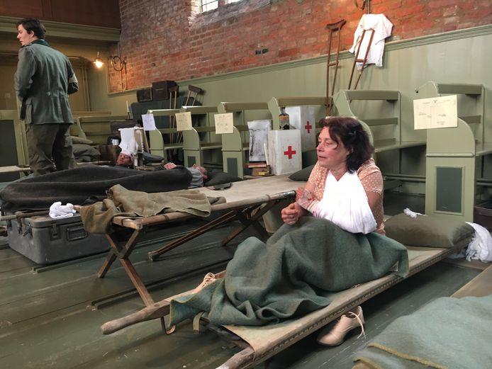 De kerk in Ritthem is ingericht als veldhospitaal