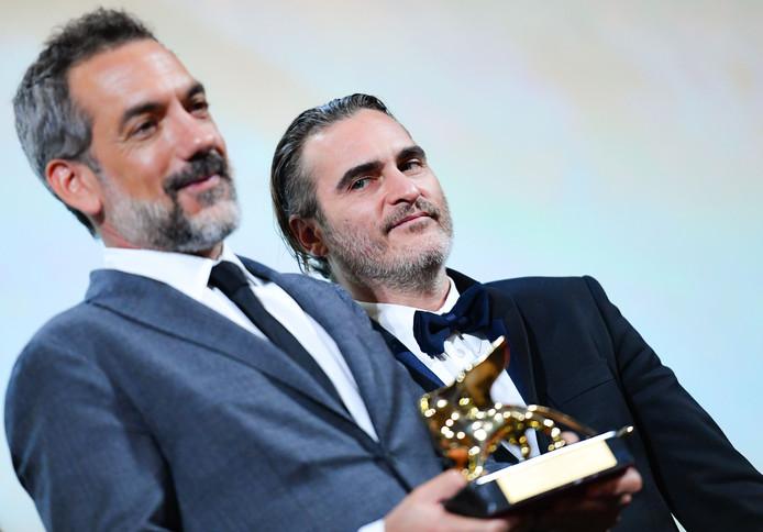 """Todd Phillips et son acteur Joaquin Phoenix ont reçu le Lion d'or pour """"Joker"""""""