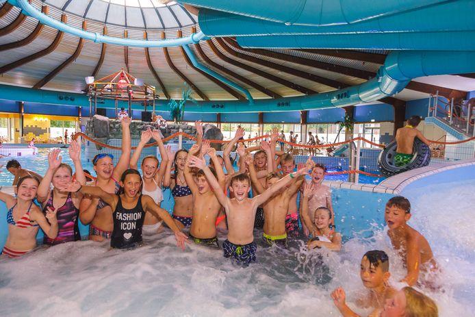 Feest: zwemmen kan en mag weer, zonder afstand te houden