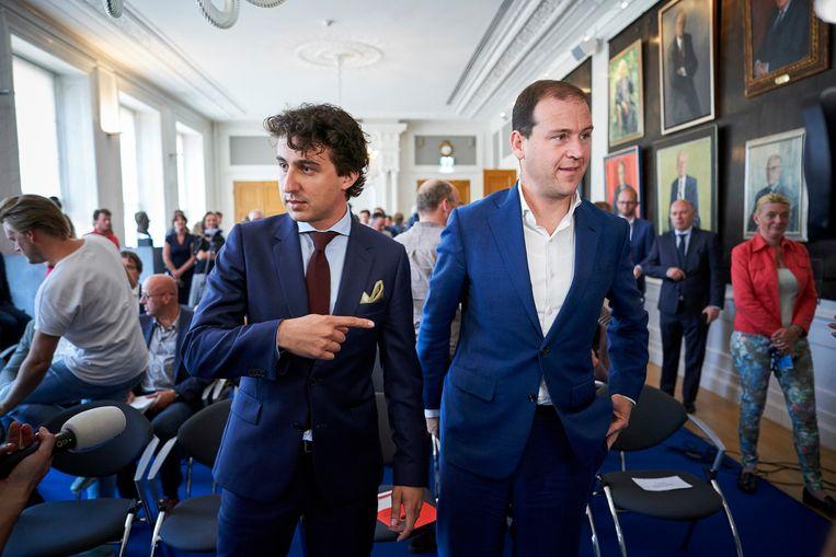 In de Tweede Kamer werd de Klimaatwet gepresenteerd door zeven Partijen. De twee initiatiefnemers, Groenlinks fractievoorzitter Jesse Klaver en PvdA fractievoorzitter Lodewijk Asscher geven uitleg na afloop. Beeld Phil Nijhuis