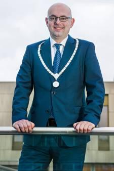 Burgemeester van Krimpen onder vuur na 'nazi-bericht' op Facebook