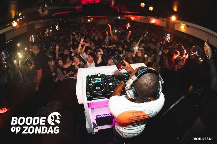 Voorlopig nog geen dj's, drankjes en danspasjes voor de nachtclubs in Nederland.