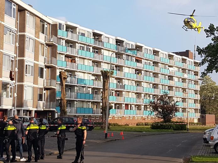 De politie doet onderzoek na de fatale steekpartij in Breda.