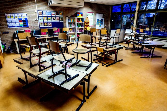 De school mag de lokalen niet gebruiken voor kinder- of peuteropvang.