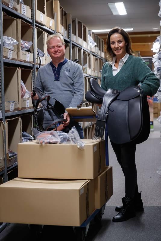 Jan en Thalia Hopmans wonnen met Ideal Equestrian op het Aangenaam GoBoz Ondernemersgala een eerste prijs.