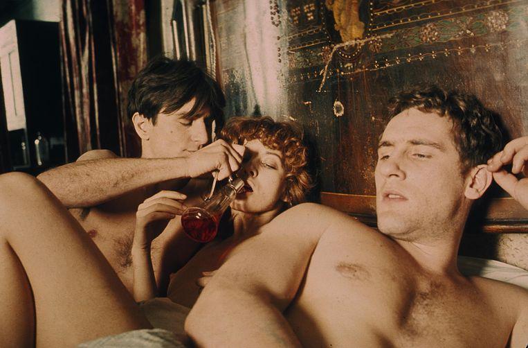 (v.l.n.r.) Robert De Niro, Stefania Casini en Gérard Depardieu in Novecento (1976), regie door Bernardo Bertolucci. Beeld