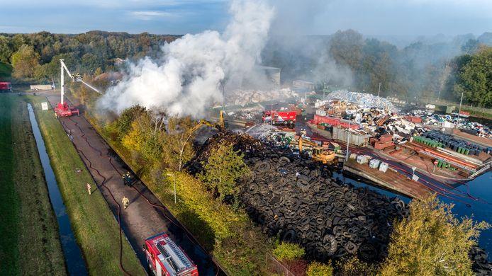 Bij de milieustraat in Meppel brak afgelopen najaar brand uit, net op de dag dat Albert T. het gehuurde terrein definitief moest verlaten.