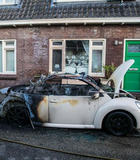 Auto zwaar beschadigd door brand in Arnhemse Geitenkamp