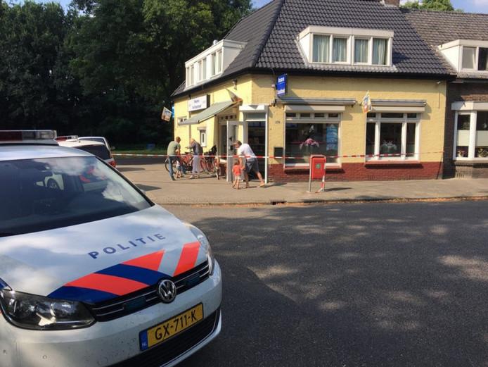 Cafetaria De Snackhoek vlak na de overval op 24 juli 2016