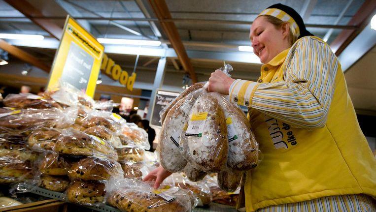 Volgens foodwatch heeft het brood alleen wat maisstukjes ter decoratie. Beeld anp