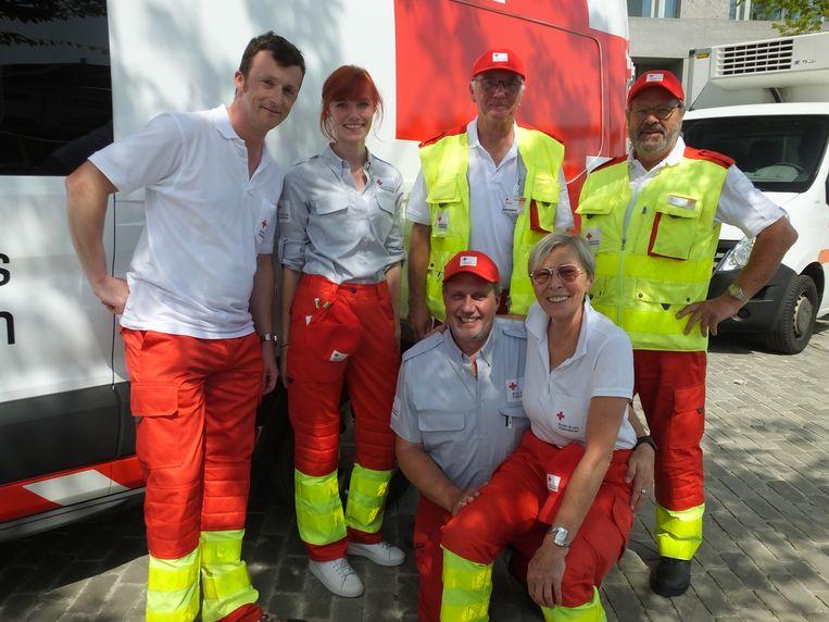 Vanwege de hitte was ook het Rode Kruis van Deinze opgetrommeld.