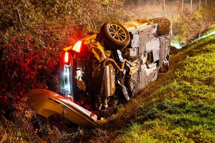 Twee personen gewond bij ongeluk in Oss.
