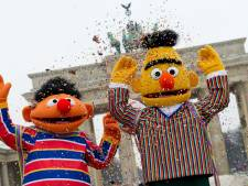 Sesame Street vraagt aandacht voor dankloosheid met pop zonder huis