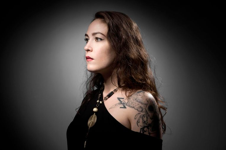 Laura Leveque (32)