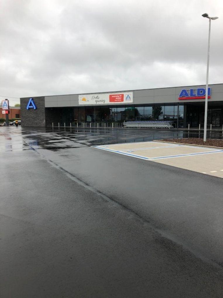 Langs de Ringlaan opent morgen, woensdag 9 oktober, een gloednieuwe Aldi-winkel.