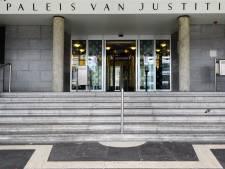 Hellevoeter  (33) blijft schokkende martelmoord op vader en zoon in Hurwenen ontkennen