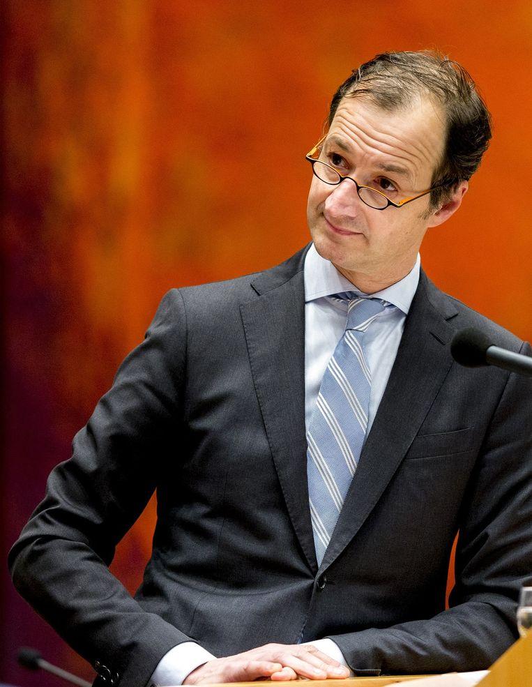 Staatssecretaris Wiebes (Financiën) probeert met man en macht het speelveld tussen de zzp'er en de werknemer gelijk te trekken Beeld anp