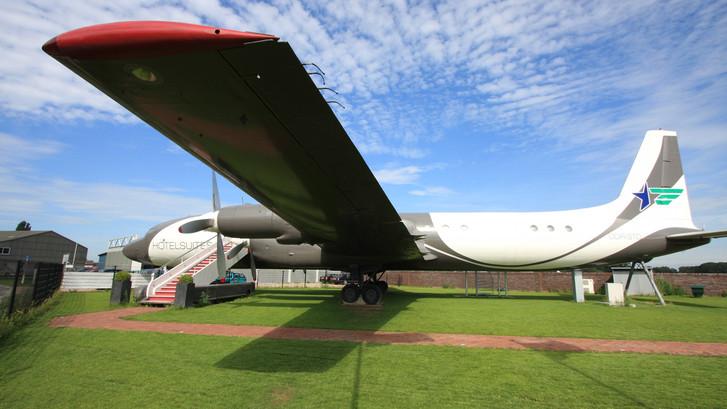 'In de wolken' in luxe vliegtuigsuite op luchthaven