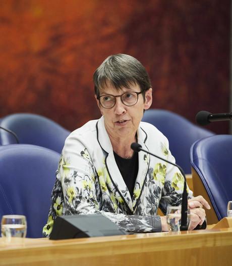 Klijnsma buigt: Tilburgse proef met bijstand kan toch doorgaan