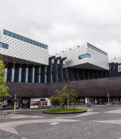 Kunstenaars woedend over veiling van 500 werken door Bibliotheek Eemland: 'Het wordt gewoon gedumpt'