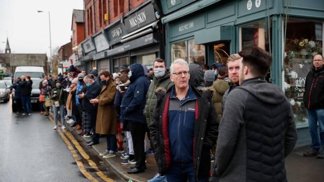 Ze trokken zich niets aan van corona: honderden fans pakken samen om glimp op te vangen van Tottenham-sterren