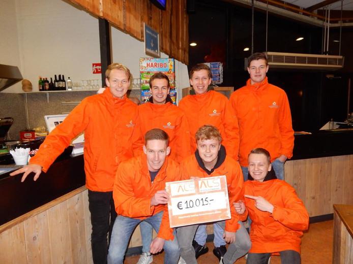 De Saxionstudenten uit Rijssen en Holten brachten - inclusief donaties - 11.000 euro bijeen voor de strijd tegen spierziekte ALS.