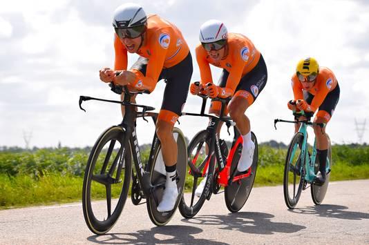 De Nederlandse mannen: Mollema (l), Sinkeldam (m) en Bouwman.
