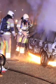 Koningsnacht op Urk: Scheuren op brommers en brandstichting