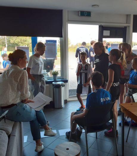 Coronaproof korfballen: jeugdspelers houden eigen vergadering
