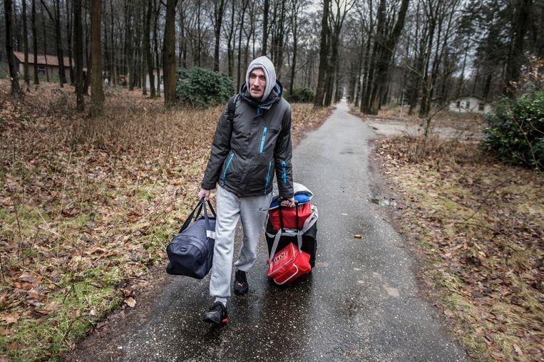 Vakantiepark Noord-Riezen, een Poolse werknemer vertrekt weer naar Polen. Beeld Hollandse Hoogte / Koen Verheijden