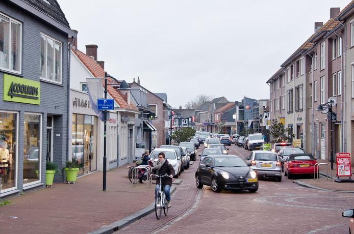Het gemeentebestuur, maar ook verenigingen zouden inwoners moeten stimuleren om zo veel mogelijk inkopen te doen in hun eigen woonkern binnen de gemeente Woensdrecht, zo vinden diverse ondernemers.