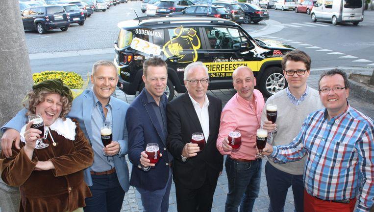 De organisatoren van de Adriaen Brouwer Bierfeesten klinken op een goed gevulde affiche.
