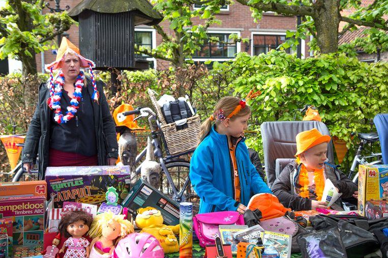 Vrijmarkt Koningsdag in Harderwijk. Beeld Pauline Niks