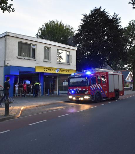 Brand boven voormalig Scheer & Foppen-pand in Vriezenveen