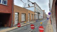 Walburgstraat afgesloten door instortingsgevaar van leegstaand krot