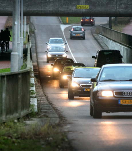 'Racebaan' Maaspoortweg moet veiliger, vinden bewoners en PvdA