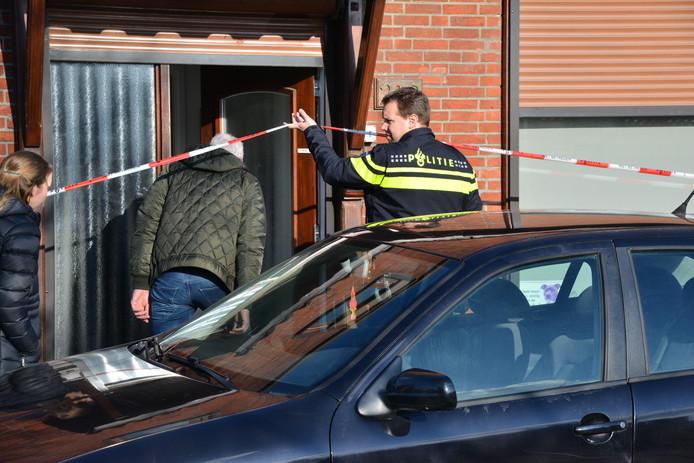 Bij de actie werden twee mannen aangehouden, namelijk de bewoner en een man (20) uit Eindhoven.